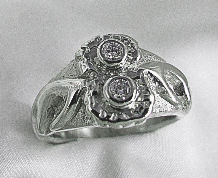 14 K white gold Diamond Antler ring