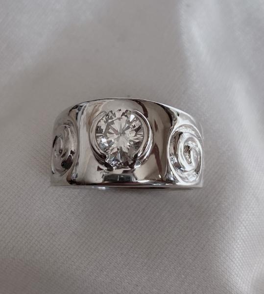 single-scroll-diamond-ring