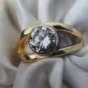 18k solitaire Diamond ring