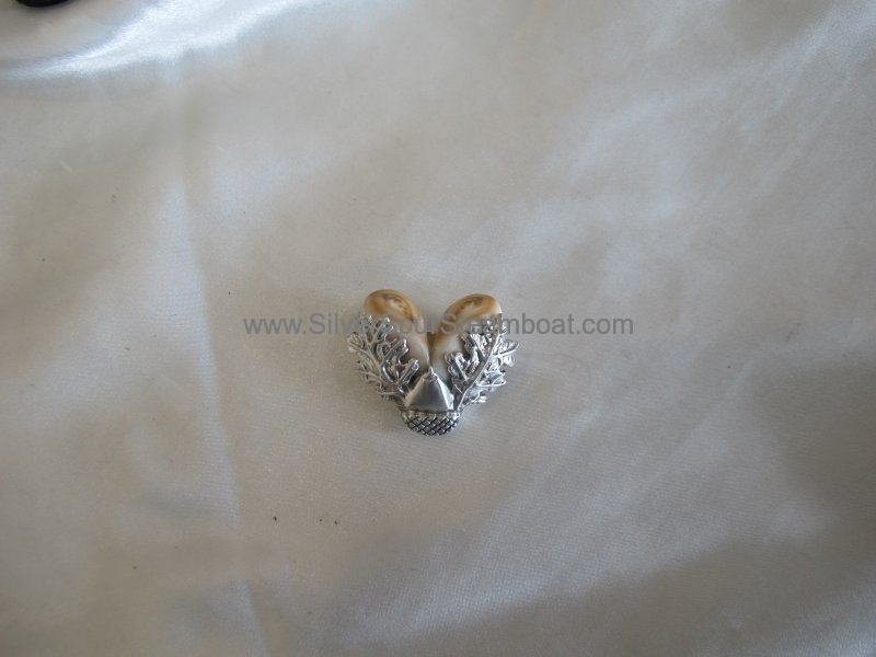 Cast Oak leaf Pandant